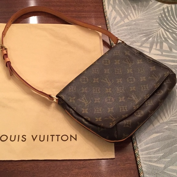 5db49a6b8 Louis Vuitton Handbags - Louis Vuitton Musette Tango shoulder bag